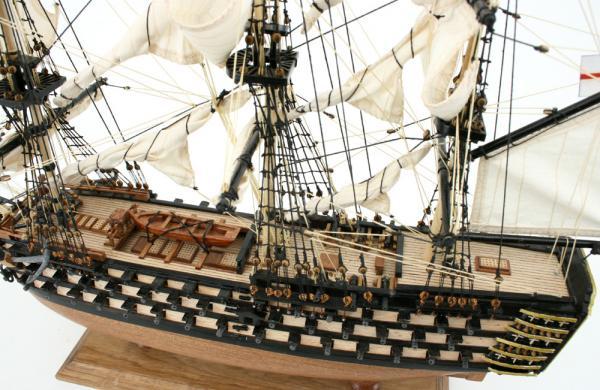 Maquette du navire amiral Victory  réplique du bateau anglais 1765 ~ Construction De Maquettes De Bateaux En Bois